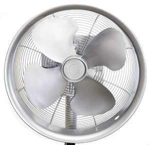 Outlier_Fan_Stainless_Front(600px)